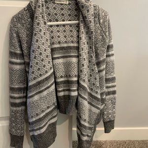 hooded grey patterned cardigan